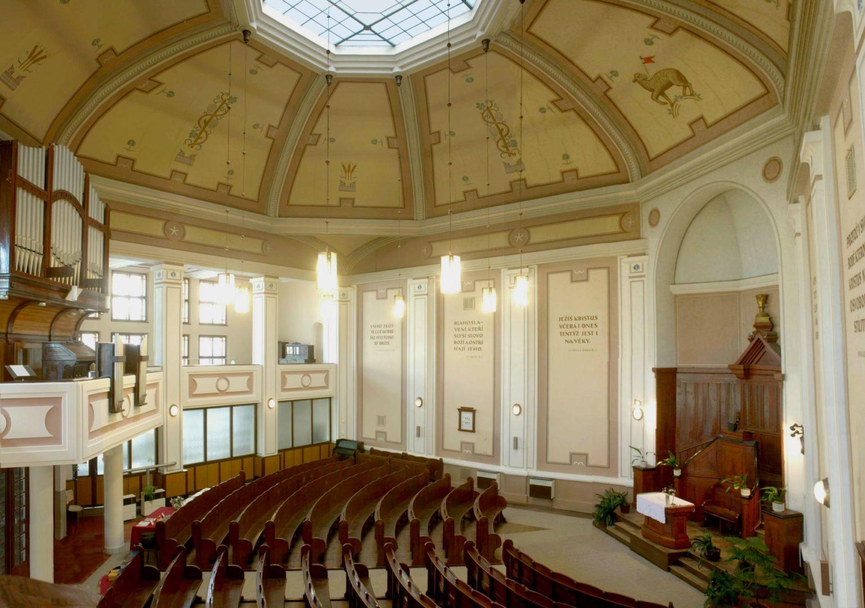 Plzeň Západní sbor kostel - interier