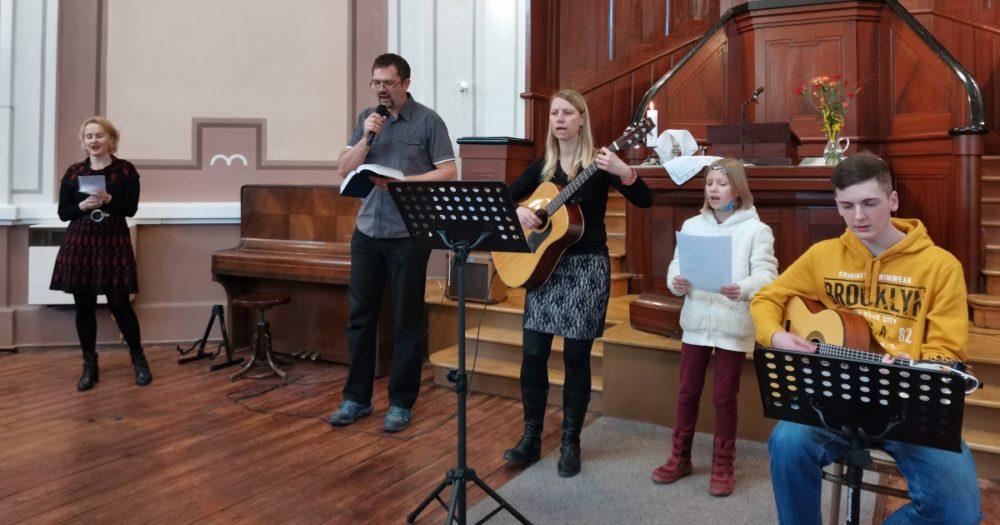 Bohoslužby - rodinná neděle @ Chrám Mistra Jana Husi